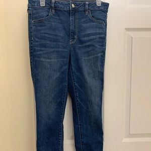 American Eagle skinny jeans lightly worn size 8.